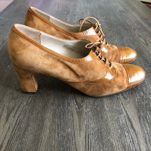 Saks Fifth Avenue Women Size 8 Suede Lace Up Shoes